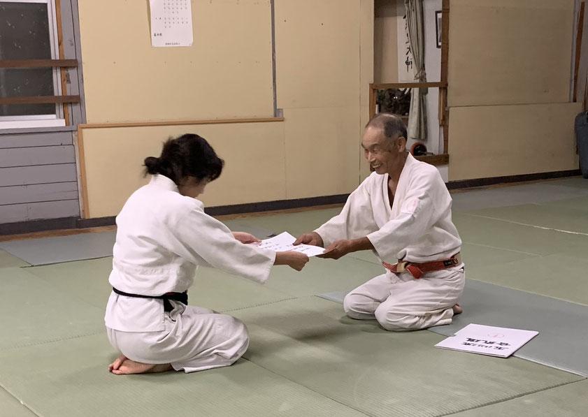 田代さんに三段が授与されました。おめでとうございます。