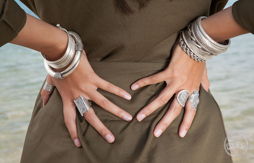 gros bracelets rigides, manchettes en argent massif fait main