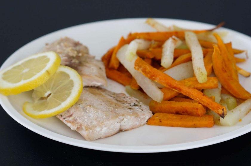 Möhrenspahgetti mit gerösteten Kichererbsen | low carb, proteinreich & schnell zubereitet