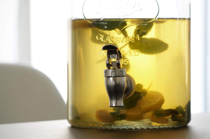 Erfischende Zitronen-Ingwer-Limonade | clean & ohne Zucker