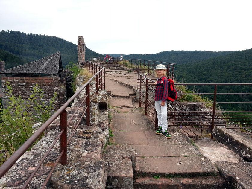 Auf dem obersten Plateau der Burg Fleckenstein