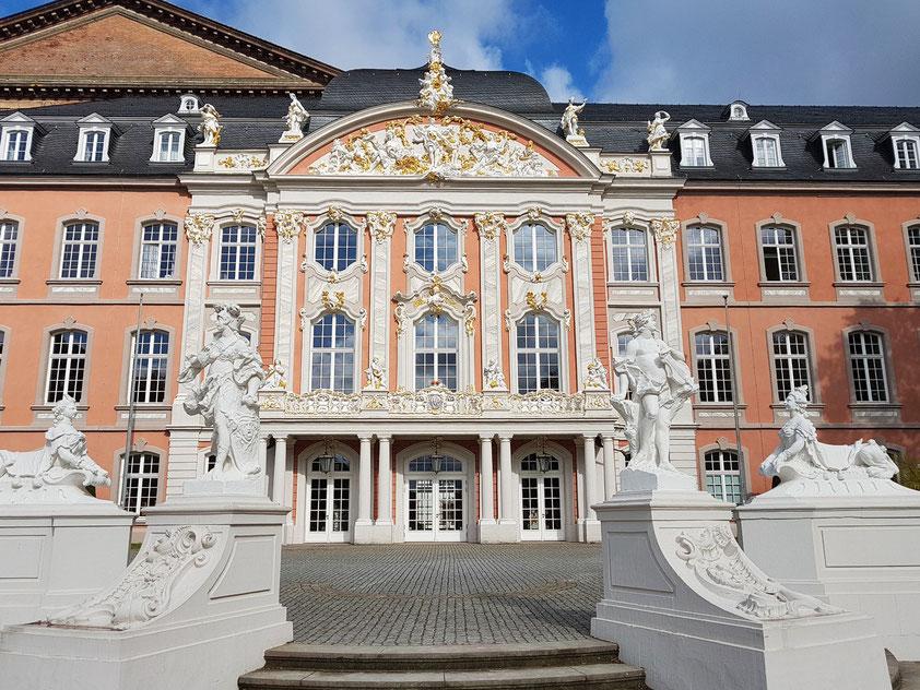 Trier. Das Kurfürstliche Palais war vom 17. Jahrhundert bis 1794 Residenz der Trierer Kurfürsten und Erzbischöfe (Renaissance und Rokoko).
