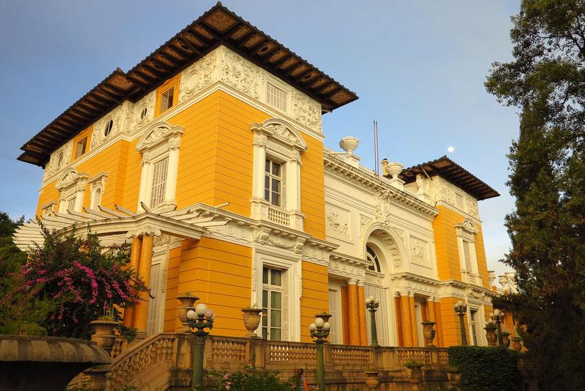 Palacio Portales im Stil des Eklektizismus, der Alterssitz des Zinn-Barons Simón Ituri Patiño, der hier nie gewohnt hat.