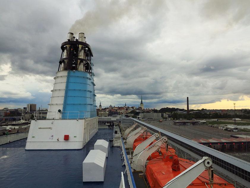 """Auf der Kreuzfahrtfähre """"Princess Anastasia"""" im Hafen von Tallinn/Estland vor dem abendlichen Auslaufen am 27. 8. 2018"""