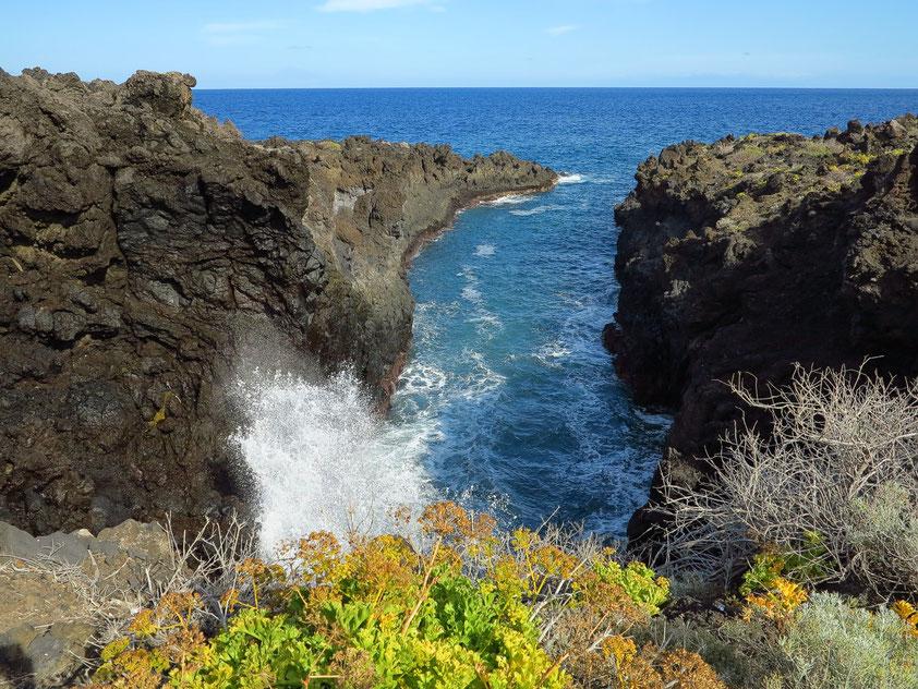 Felsenküste von Los Cancajos