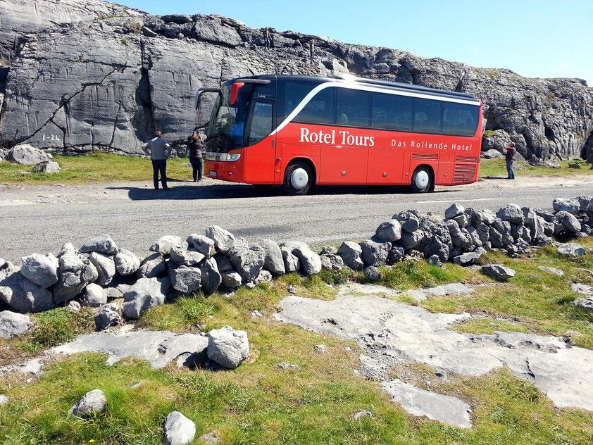 Fotopause auf der Küstenstraße des Burren