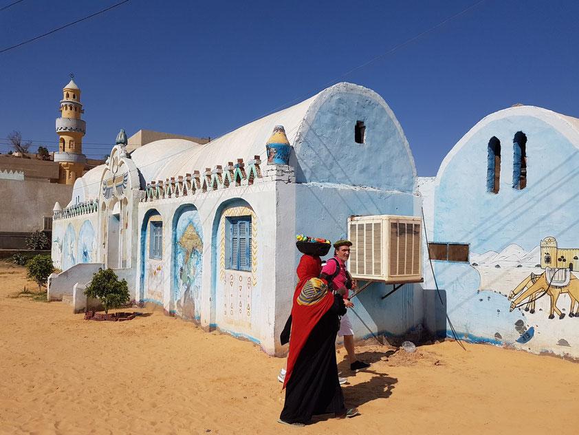 Privathaus unserer Gastfamilie im nubischen Dorf. Ein letzter Versuch für ein Verkaufsgespräch