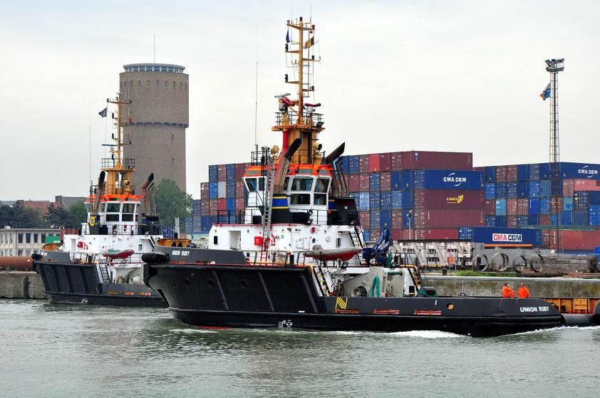 Hochseeschlepper im Container-Hafen von Zeebrugge (Foto: Almut Rother, 2010)