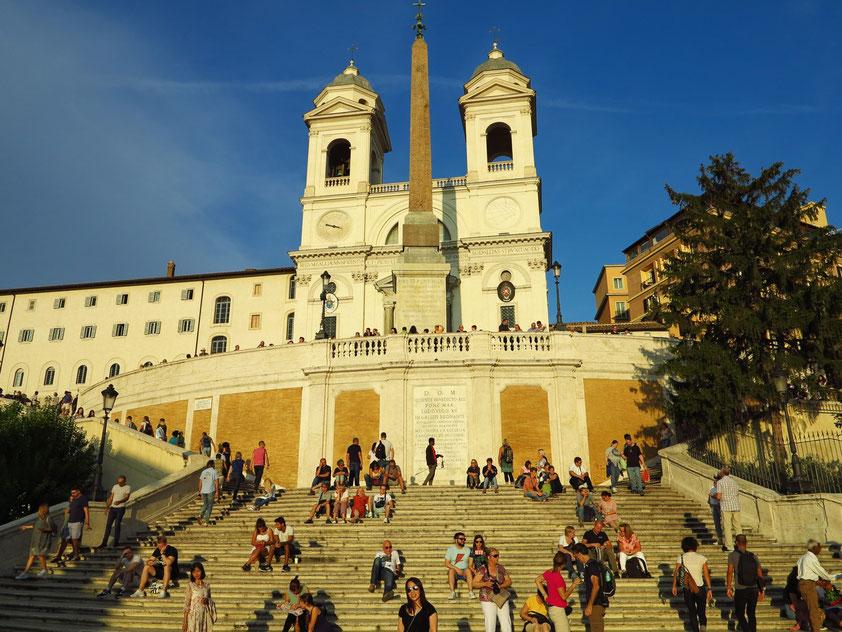 Spanische Treppe, erbaut ab 1723, Kirche Trinità dei Monti und Obelisco Sallustiano