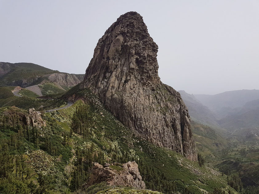 Vulkanschlot Roque de Agando (1182 m) bei Calima-Wetterlage