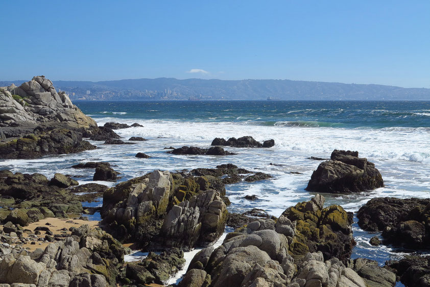 Küste von Vina del Mar. Blick nach W in die Bucht von Valparaíso