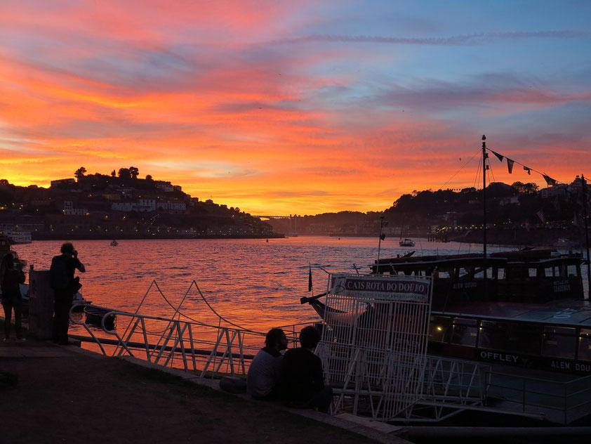 Sonnenuntergang in Porto, Blick von Vila Nova de Gaia