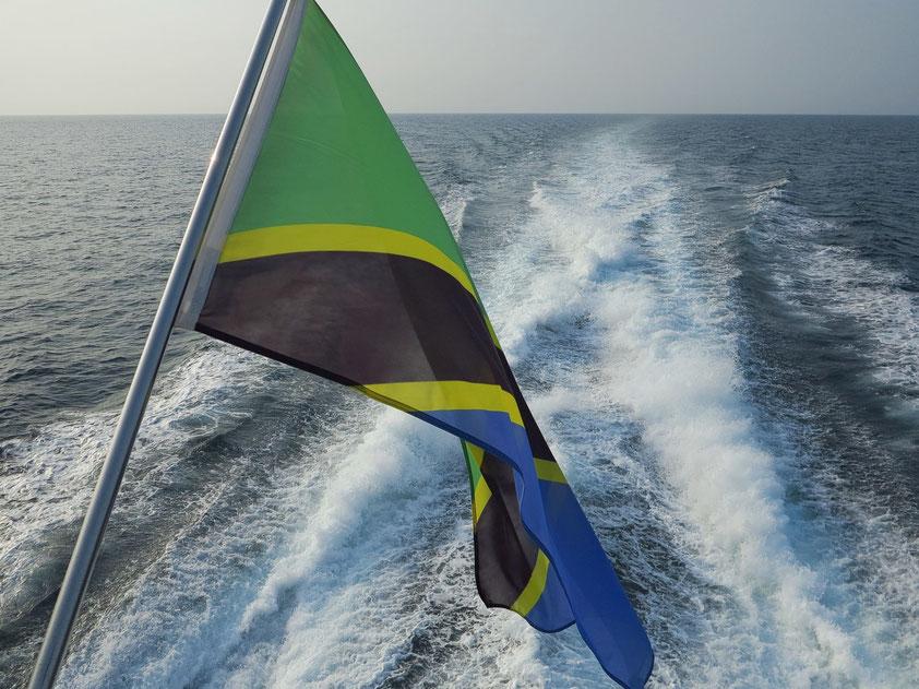 Mit dem Tragflügelboot von Daressalam zur Insel Sansibar