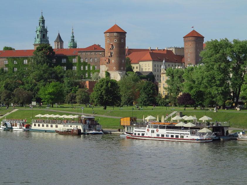 Der Wawel, gesehen von der Brücke Grunwaldzki über die Weichsel