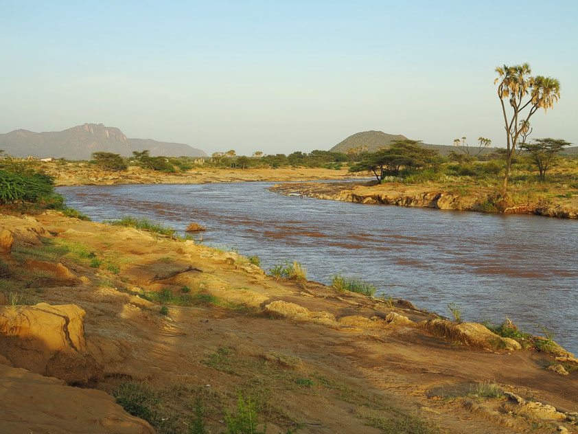 Camp am Uaso Nyiro Fluss am Rande des Samburo-Nationalparks