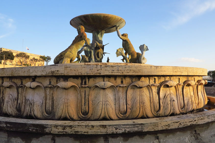 Tritonenbrunnen am Eingang von Valletta