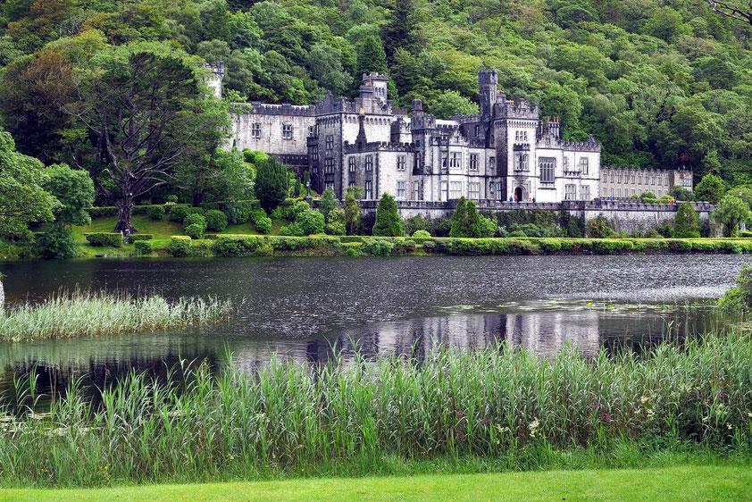 Schloss von Kylemore, unter Mitchell und Margaret Henry 1867 bis 1871 erbaut