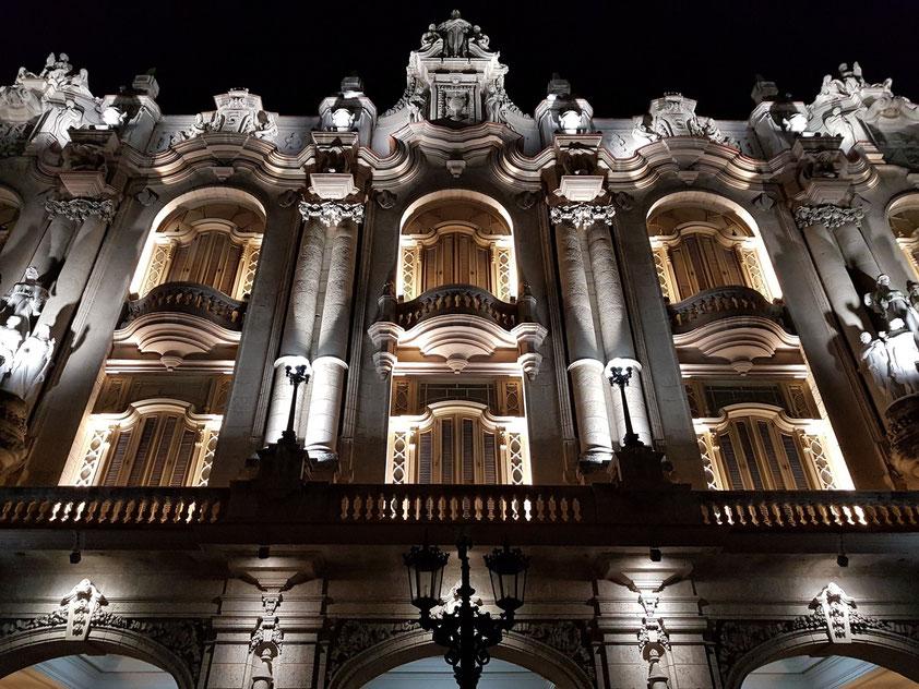 Fassade des Gran Teatro im neobarocken Stil, 1914; Restaurierung 2015