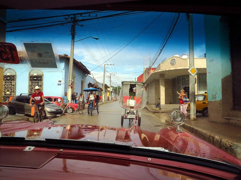 Typisches Straßenbild in Trinidad