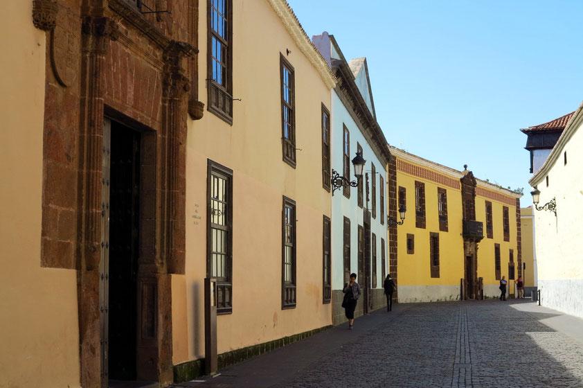 La Laguna, Straßenfront