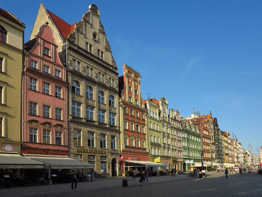 Westseite des Rynek mit schönen Giebelhäusern