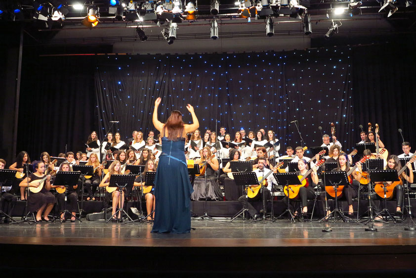 Madeira Mandolinen Orchester und Madeira Kammer-Chor unter Leitung von Maestrina Zélia Gomes
