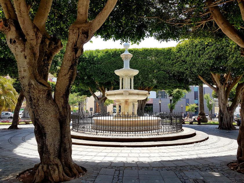 La Laguna, Plaza del Adelantado, ehemals der wichtigste Platz der Stadt, seit sich Alonso Fernández de Lugo entschloss, seine Residenz hierher zu verlegen.