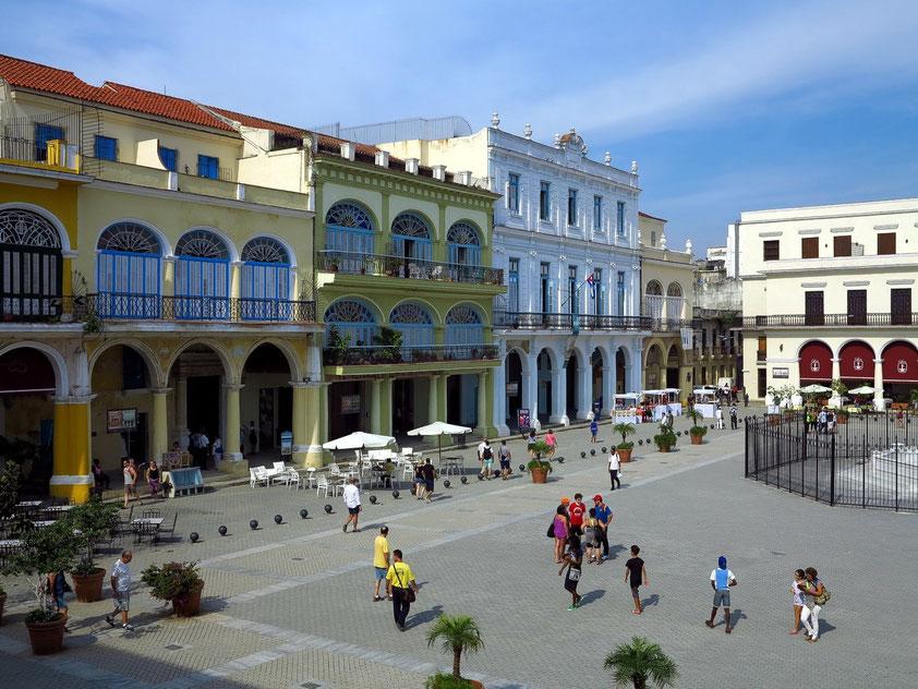 Plaza Vieja, Westseite