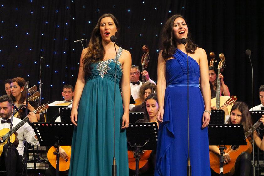 Cláudia Sousa und Carina Pimenta mit dem Madeira Mandolinen Orchester, Dirigent: Maestro Eurico Martins
