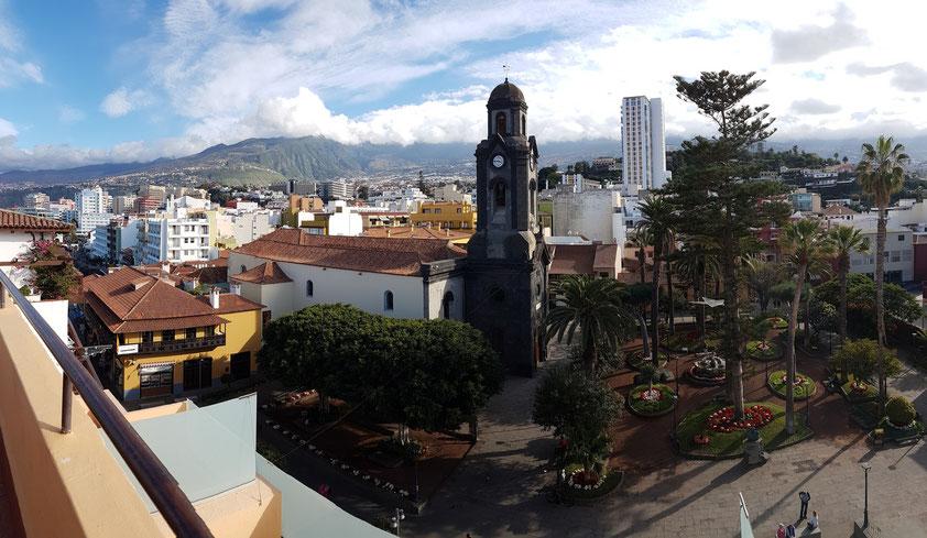 Blick vom Dach des Hotels Marquesa nach Südosten auf die Altstadt von Puerto de la Cruz