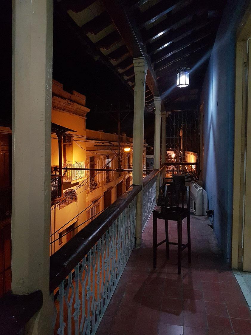 Balkon der Casa de la Trova und Blick in die Calle Heredia