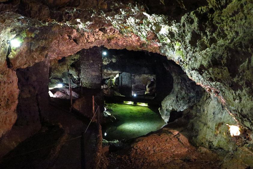 Lavatunnelsystem der Grutas do Sao Vicente