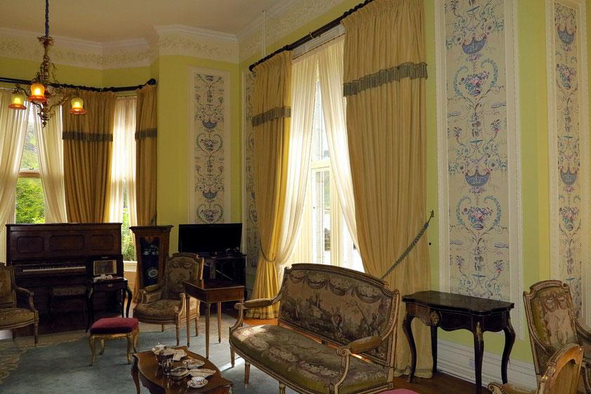 Salon, einer von vielen Empfangsräumen der Familie Henry für Unterhaltungsabende, später von den Nonnen als Leseraum genutzt