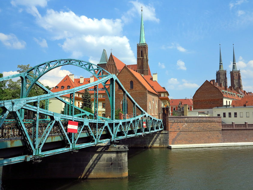 Über die Dombrücke (Most Tumski) führt der Weg zur Dominsel.