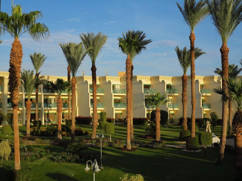 Hilton Resort Hurghada. Blick aus meinem Zimmer 6105 auf Block 5