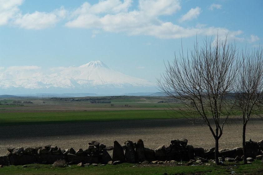 Der Hasan Dağı ist ein inaktiver Vulkan im Grenzgebiet der Provinzen Aksaray und Niğde und Ursprung der Tuffsteinlandschaften dieses Gebietes