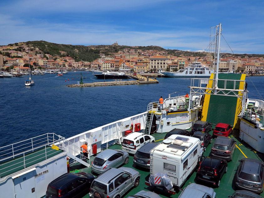 Überfahrt mit der Fähre von Palau nach La Maddalena