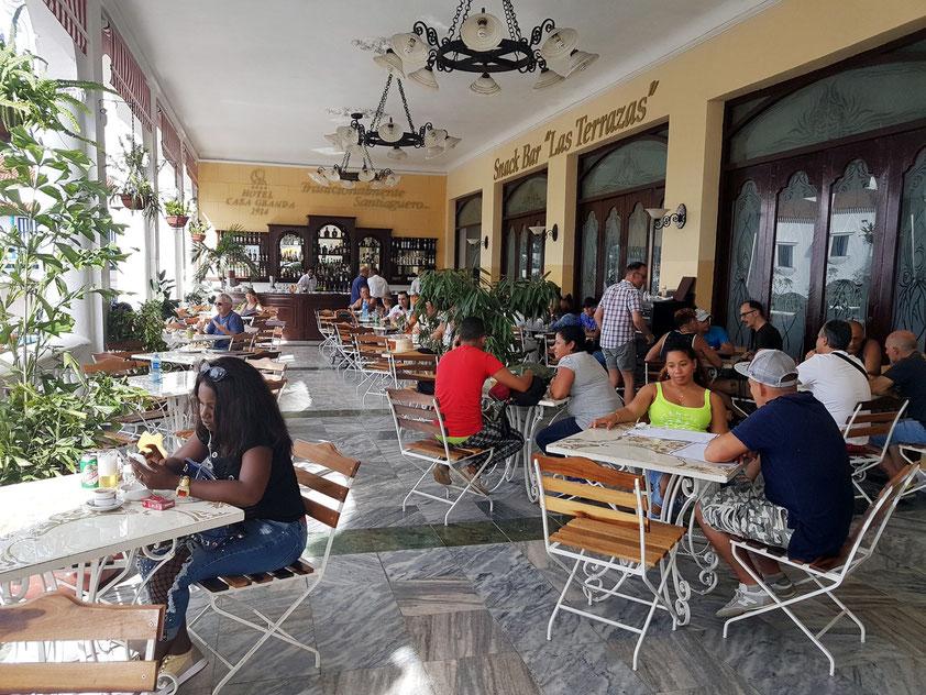 Terrassen-Café-Bar im Hotel Casa Granda, Santiago de Cuba