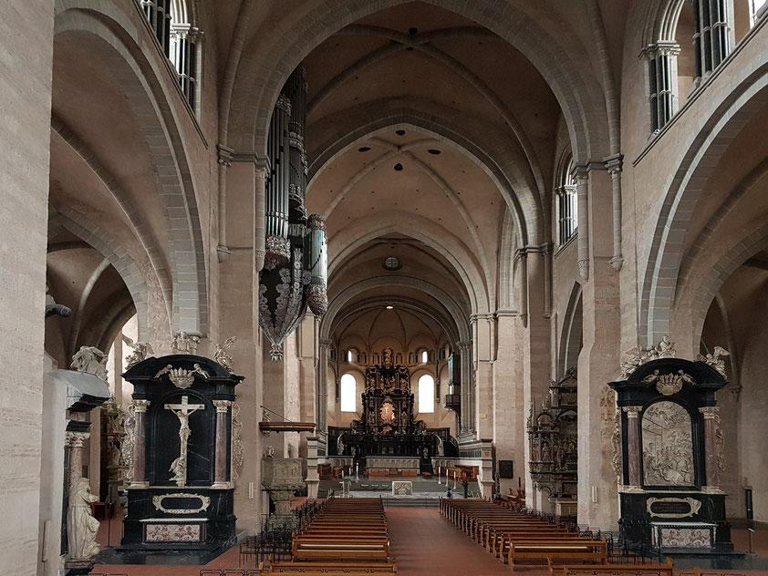 Trier. Domkirche, Innenansicht, Blickrichtung nach Osten (zum Hochaltar)