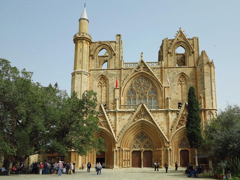 Famagusta. Lala-Mustafa-Pascha-Moschee, die frühere St. Nikolaos-Kathedrale