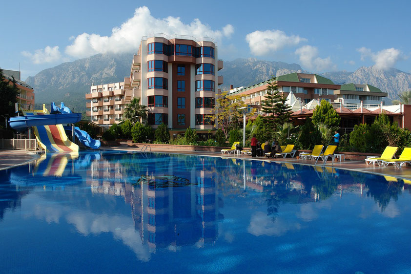 Swimmingpool des Hotels Rose Residence Beach