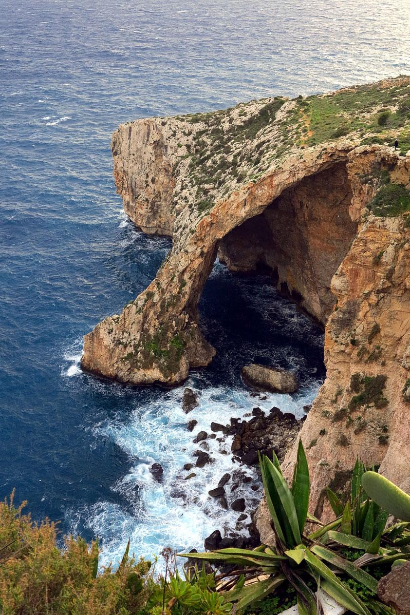 Steilfelsen in der Nähe der Blauen Grotte