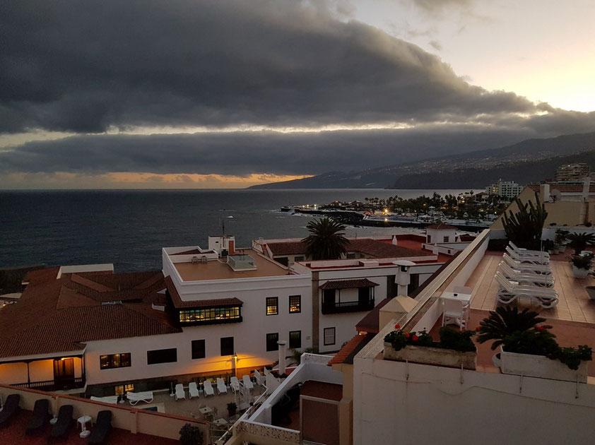 Blick vom Dach des Hotels Marquesa nach Osten bei Sonnenaufgang