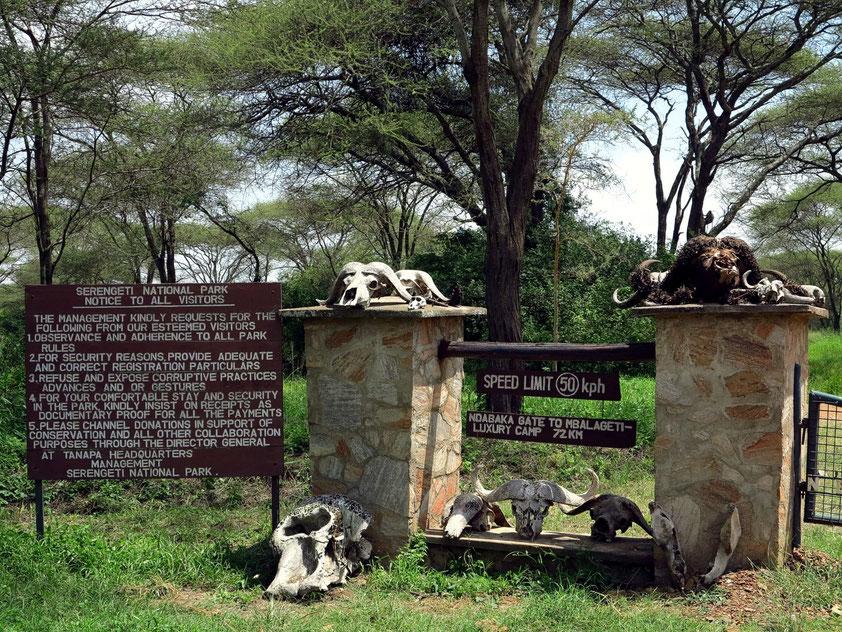 Westlicher Eingang zum Serengeti-Nationalpark