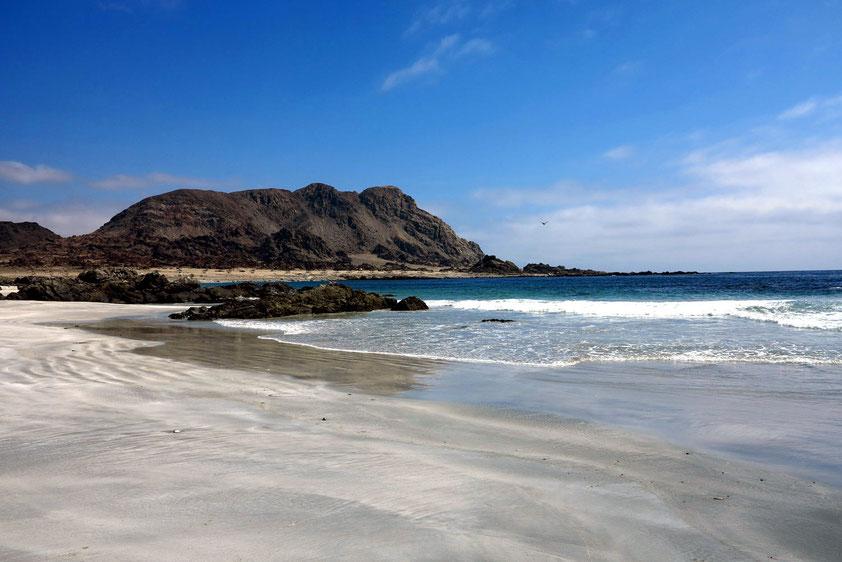 Sandstrand und Felsen im Pan de Azucar Nationalpark