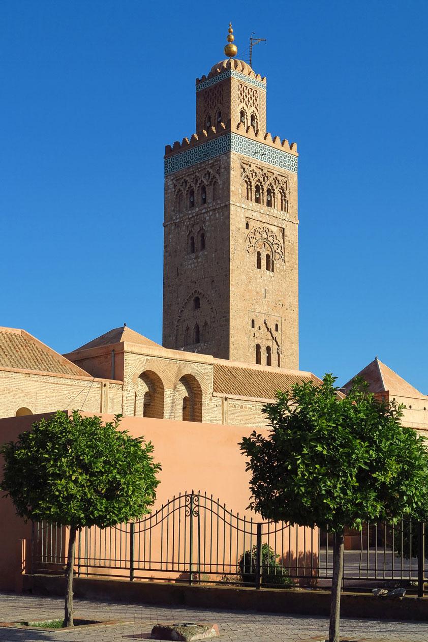 Die Koutoubia-Moschee (dt. Moschee der Buchhändler) ist die größte Moschee von Marrakesch. Sie stammt aus der 2. Hälfte des 12. Jahrhunderts und ist damit eine der ältesten Moscheen Marokkos.