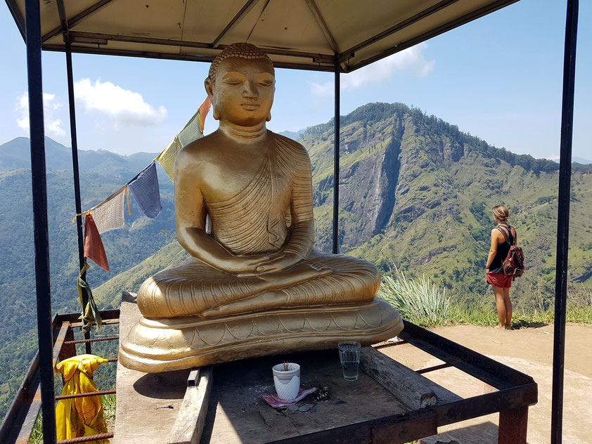 Buddha-Statue auf dem Little Adam's Peak