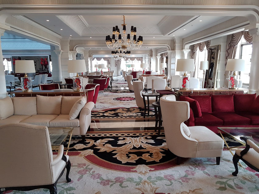 Lobby im Artemis-Hotel