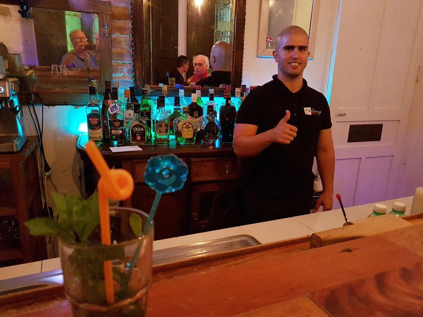 In der Bar des Restaurants melange, wo vorzügliche Cocktails gemixt werden (Mojito und Pina Colada)