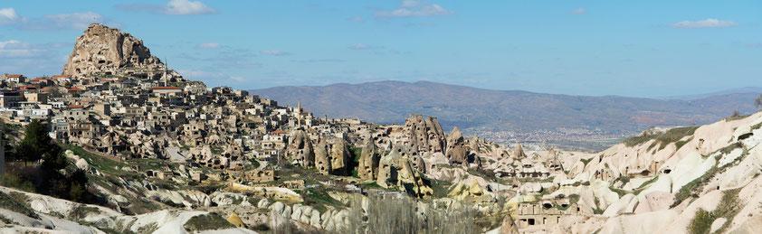 Panorama von Uçhisar mit dem Burgberg